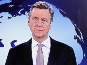 """Varianten von Verachtung im TV-Interview (""""Ich glotz TV"""" #1)"""